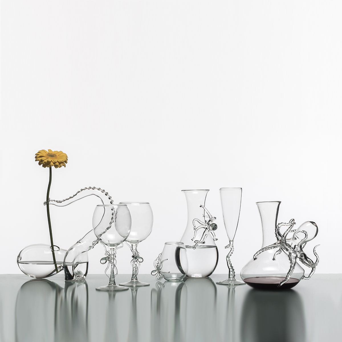 Hand-blown glass tableware collection polpo